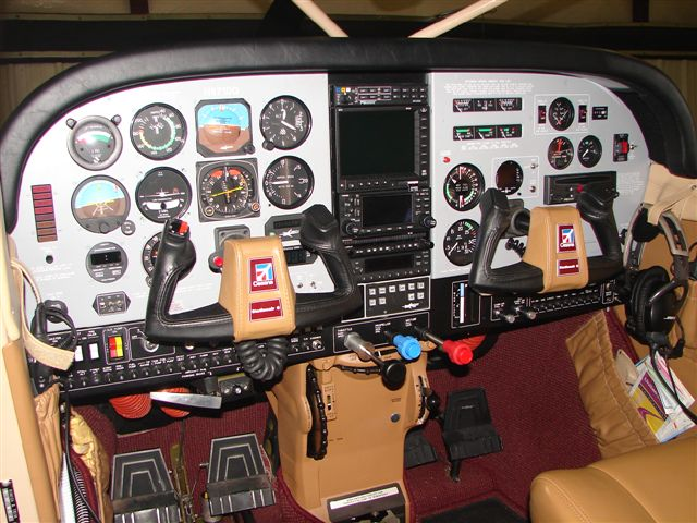 Image of Avion Instrument panel